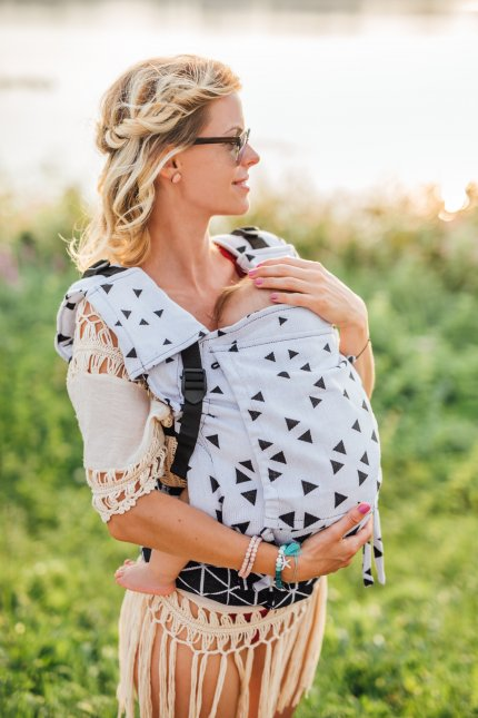 Baby Carrier - Be Lenka 4ever Triangle - Black and White